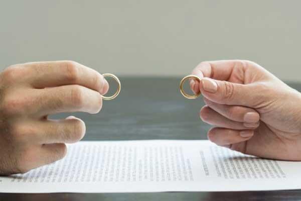 ازدواج سفید؛ آیا خانواده ها مجبورند با آن کنار آیند