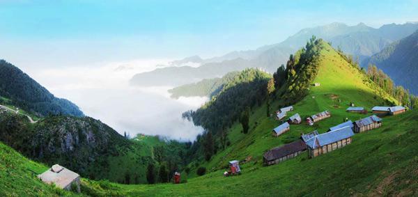 دهکده مازیچال؛ تجربه قدم زدن در کنار ابرها!